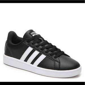 🖤 Adidas Black Cloudfoam Sneakers 🖤